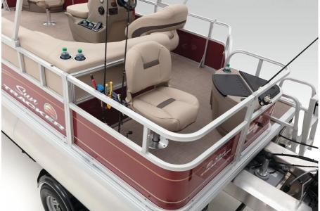 2020 Sun Tracker boat for sale, model of the boat is Bass Buggy 18 DLX & Image # 36 of 43
