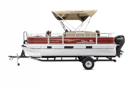 2020 Sun Tracker boat for sale, model of the boat is Bass Buggy 18 DLX & Image # 8 of 43