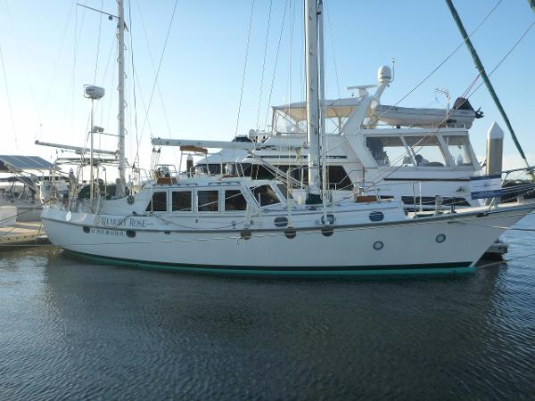 44' CSY 1978 Pilothouse