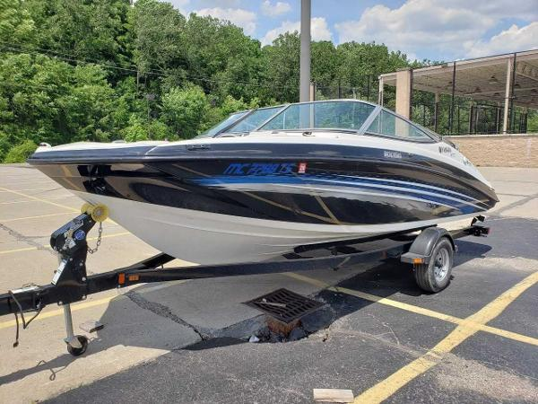 2014 Yamaha boat for sale, model of the boat is SX190 & Image # 2 of 15