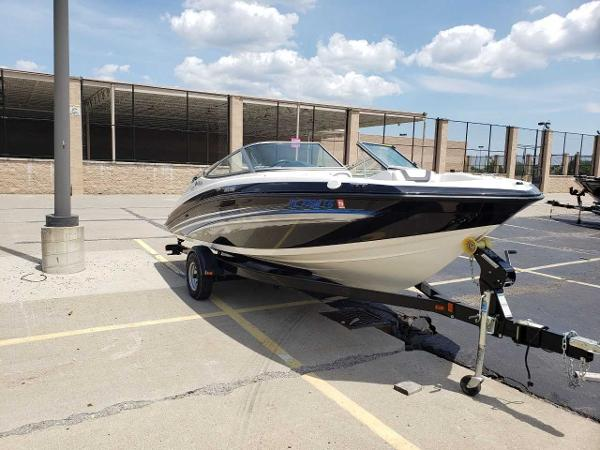 2014 Yamaha boat for sale, model of the boat is SX190 & Image # 3 of 15