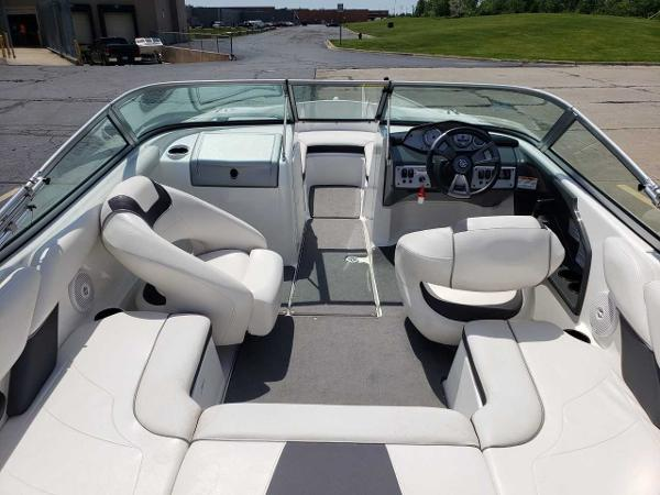 2014 Yamaha boat for sale, model of the boat is SX190 & Image # 5 of 15