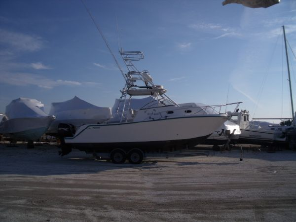 Mako 293 Walk Around Sports Fishing Boats. Listing Number: M-3282373