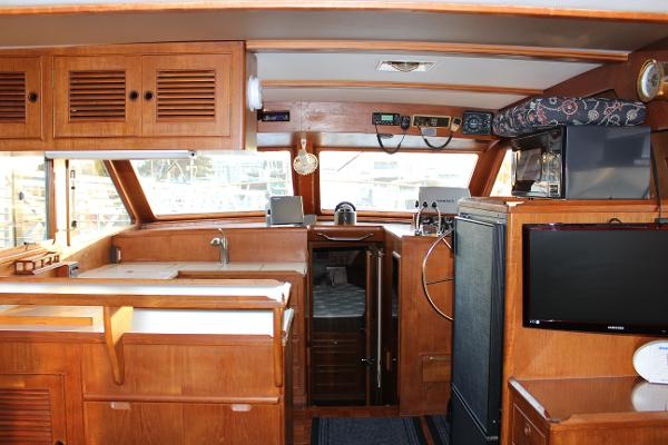Picture Of:  40' Ocean Alexander 40 Europa 1983Yacht For Sale | 4 of 15