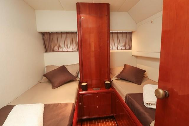 Rizzardi 50 twin cabin