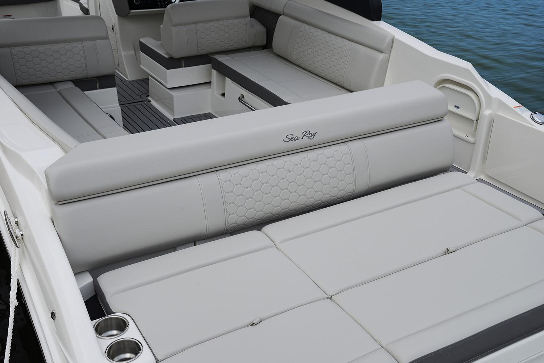2020 Sea Ray SDX 270