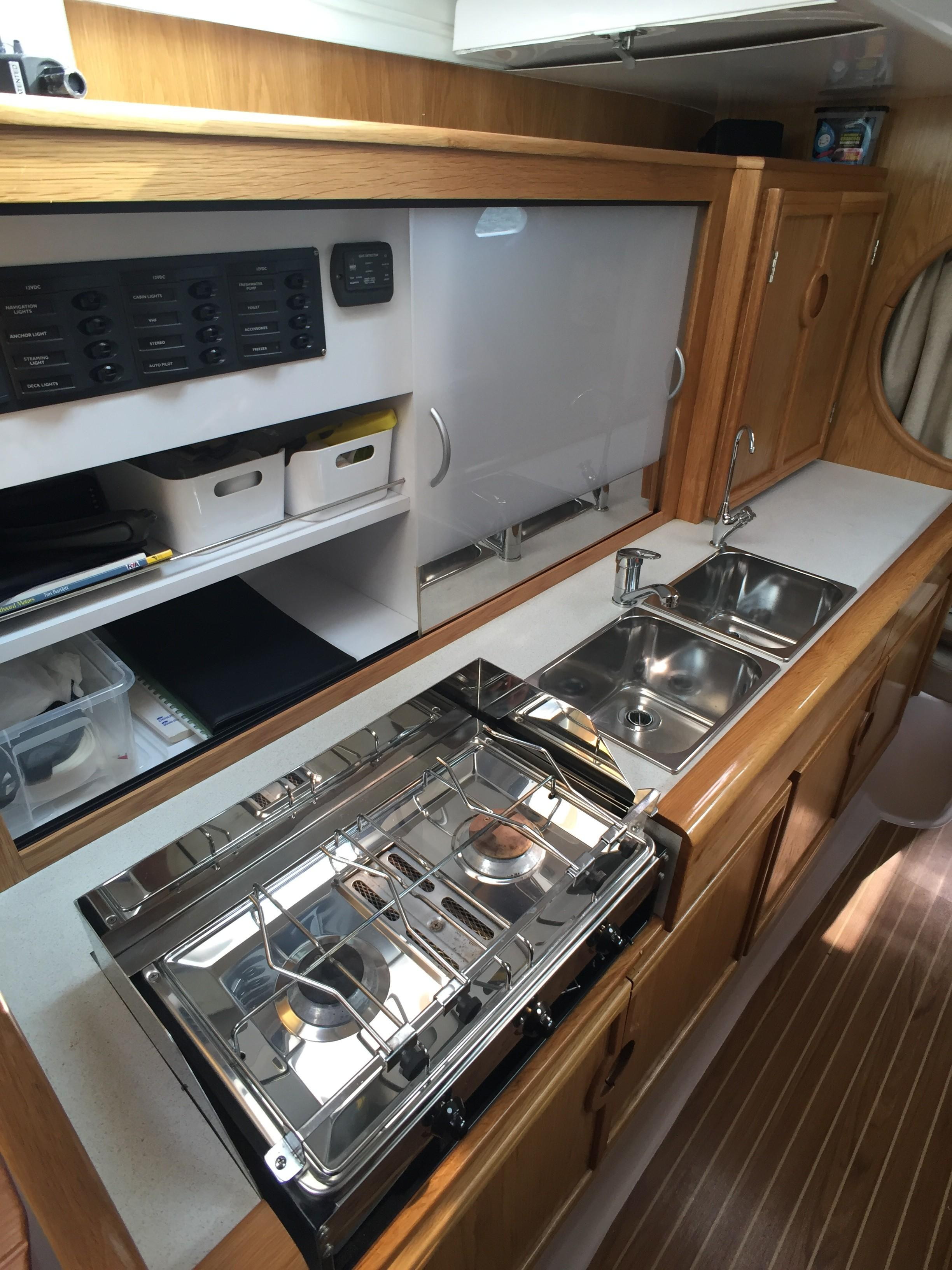 Seawind 1000 XL2 - Galley