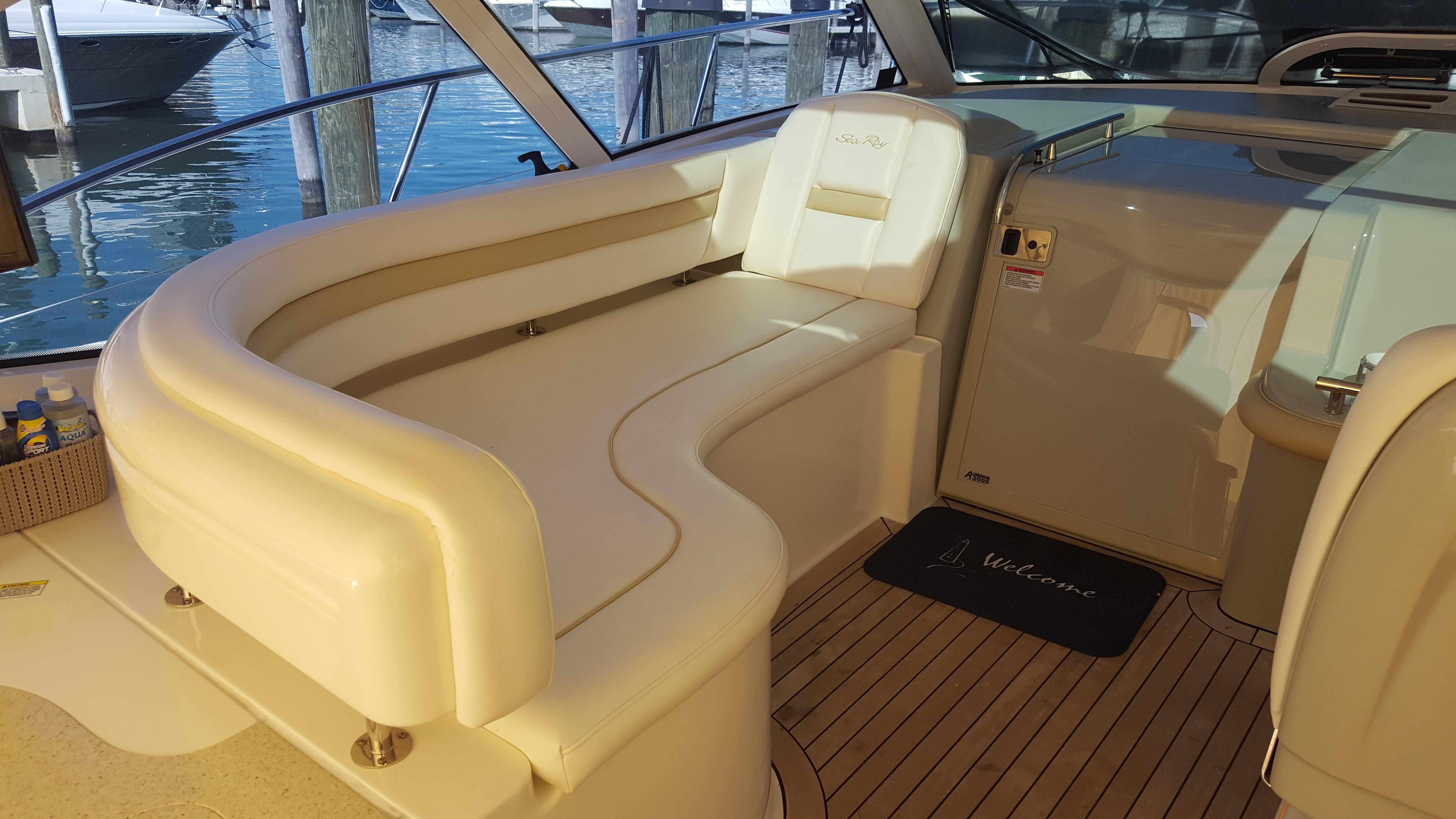 Helm Seating area