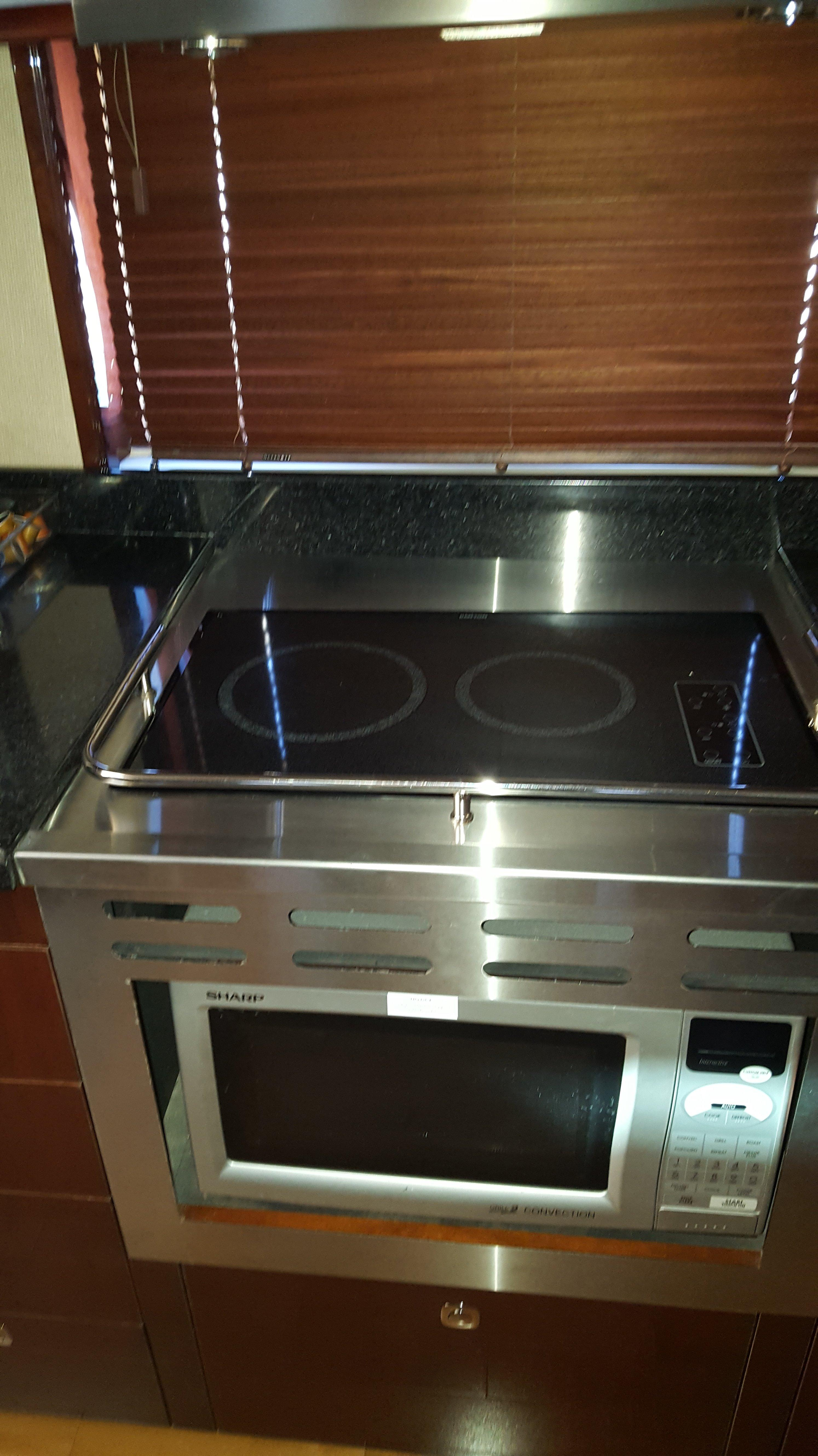 Electric range and Microwave oven.