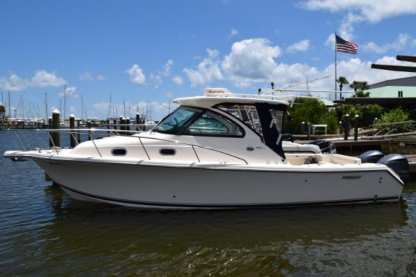 2014 31' Pursuit 315 Offshore