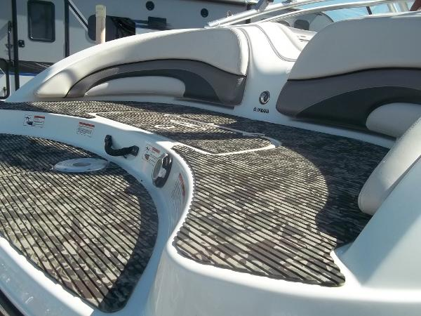 2008 Yamaha boat for sale, model of the boat is 212X & Image # 12 of 15