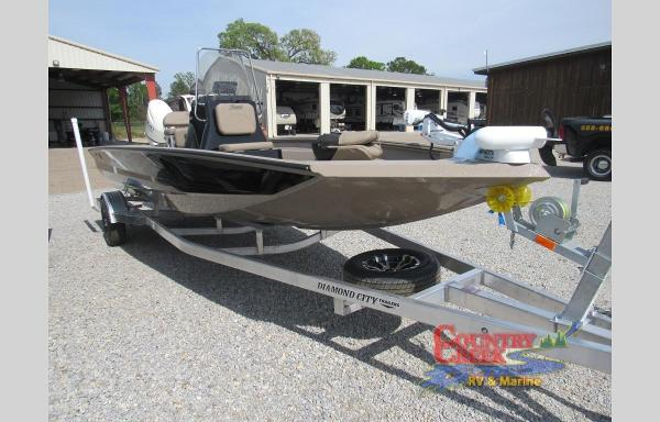 2019 Excel boat for sale, model of the boat is 203 Bay & Image # 5 of 22
