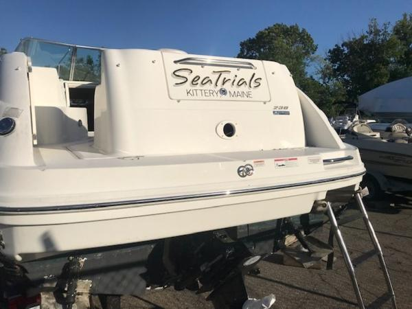 2009 Sea Ray boat for sale, model of the boat is 230 Sundancer & Image # 4 of 43