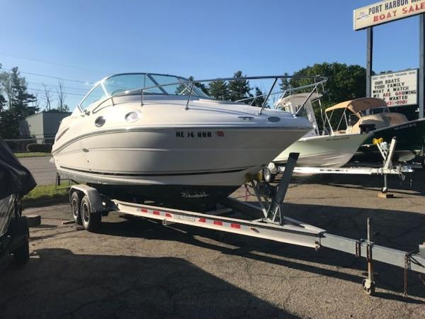 2009 Sea Ray boat for sale, model of the boat is 230 Sundancer & Image # 23 of 43