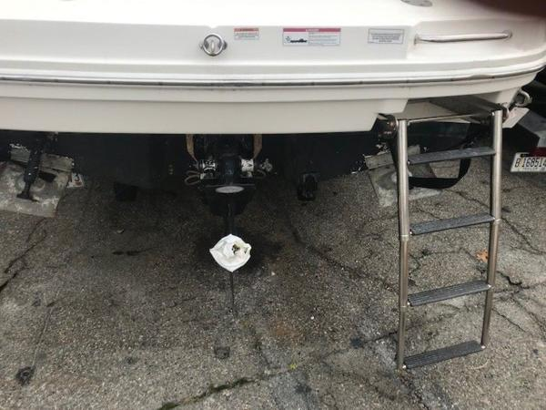 2009 Sea Ray boat for sale, model of the boat is 230 Sundancer & Image # 25 of 43
