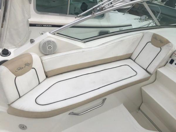 2009 Sea Ray boat for sale, model of the boat is 230 Sundancer & Image # 35 of 43