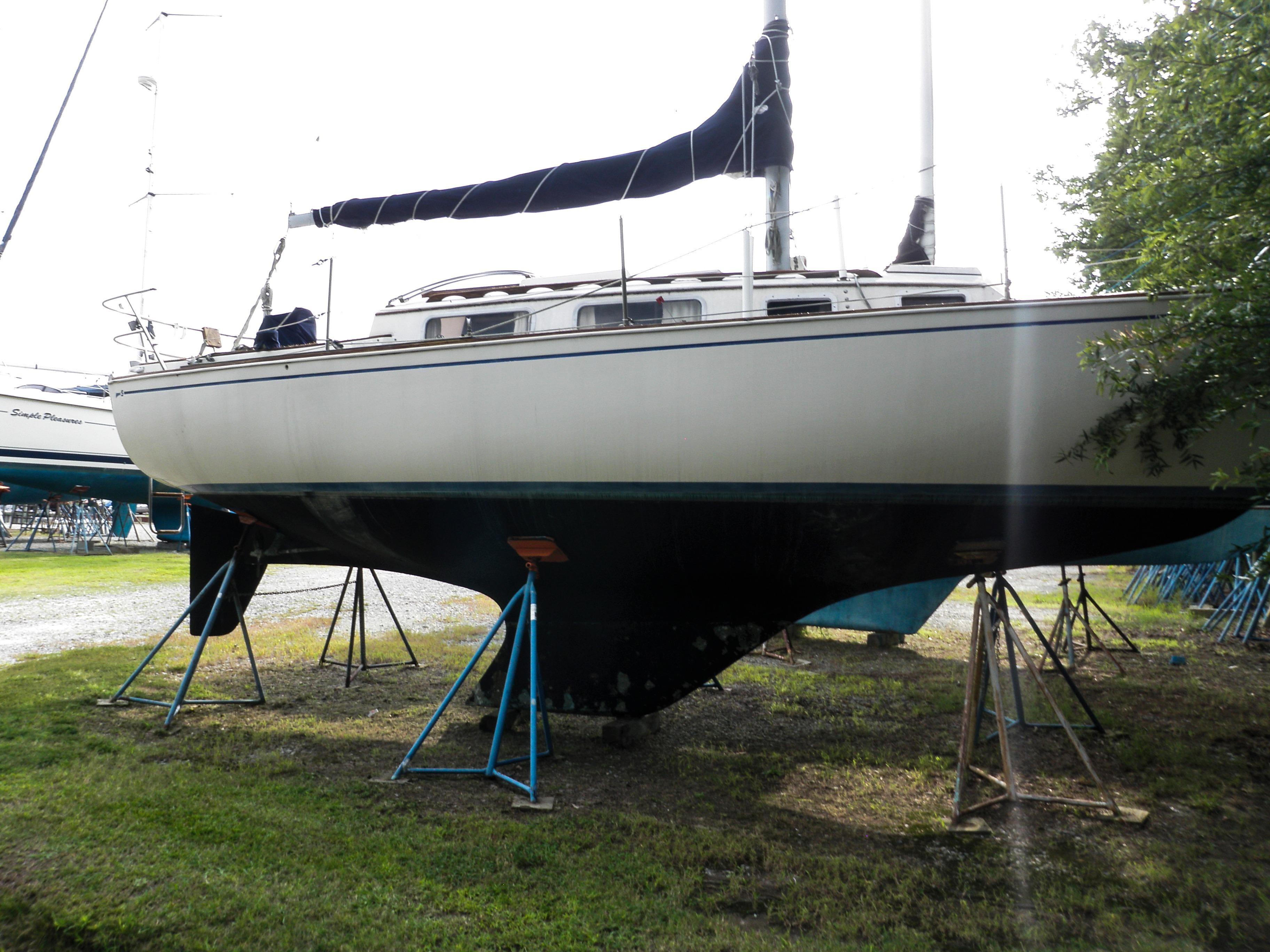 1980 Sabre 28 | Sailboats for Sale
