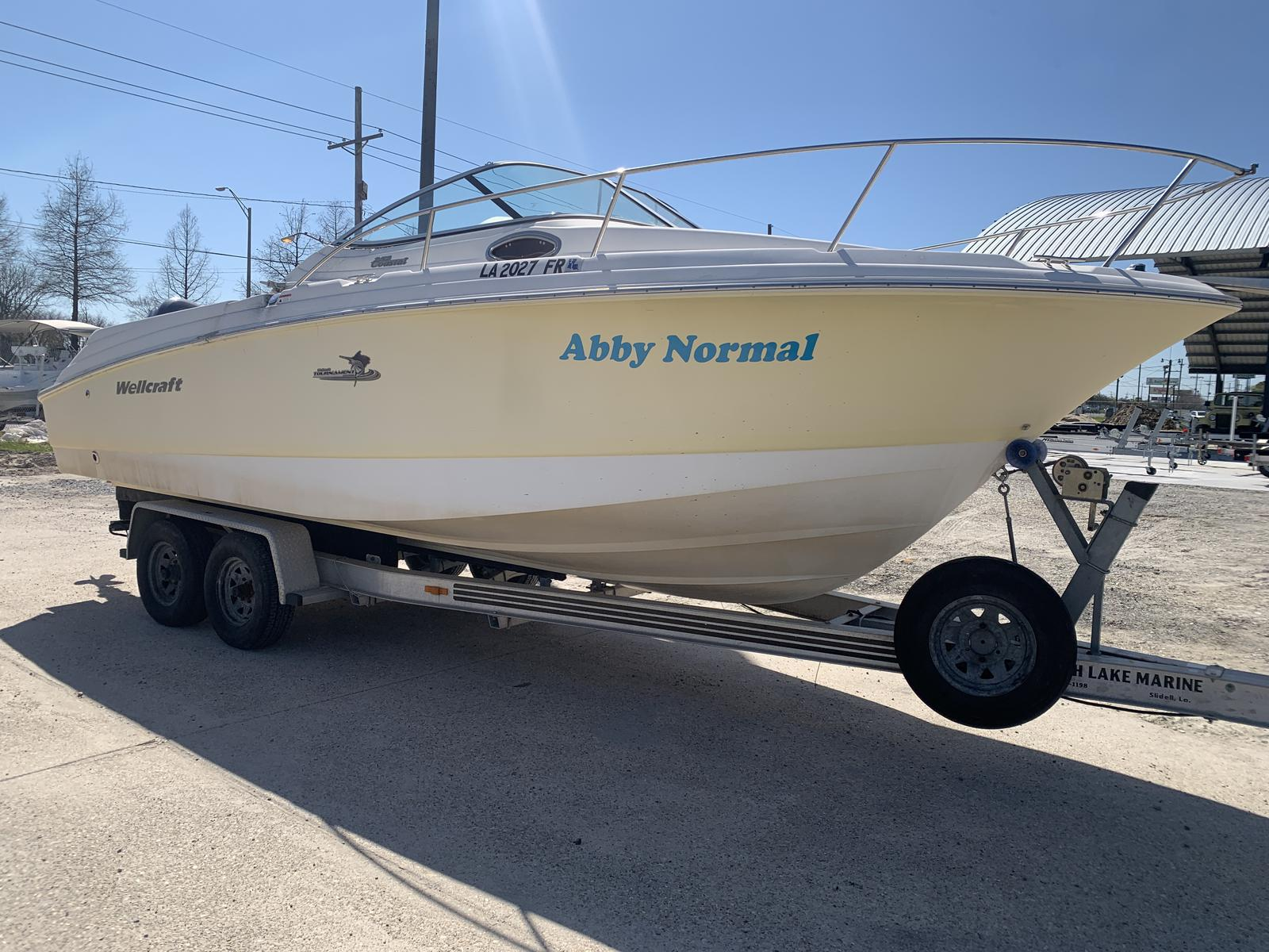 2004 Wellcraft boat for sale, model of the boat is 252 Coastal & Image # 1 of 13