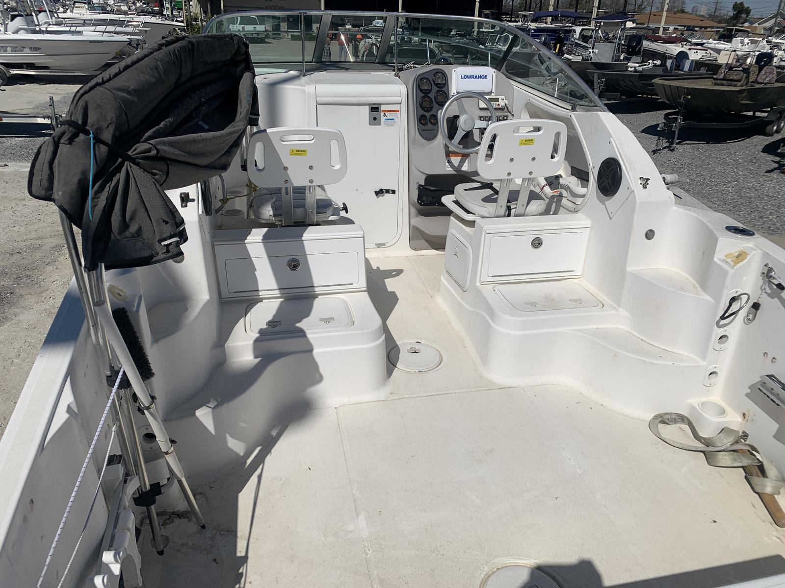 2004 Wellcraft boat for sale, model of the boat is 252 Coastal & Image # 3 of 13