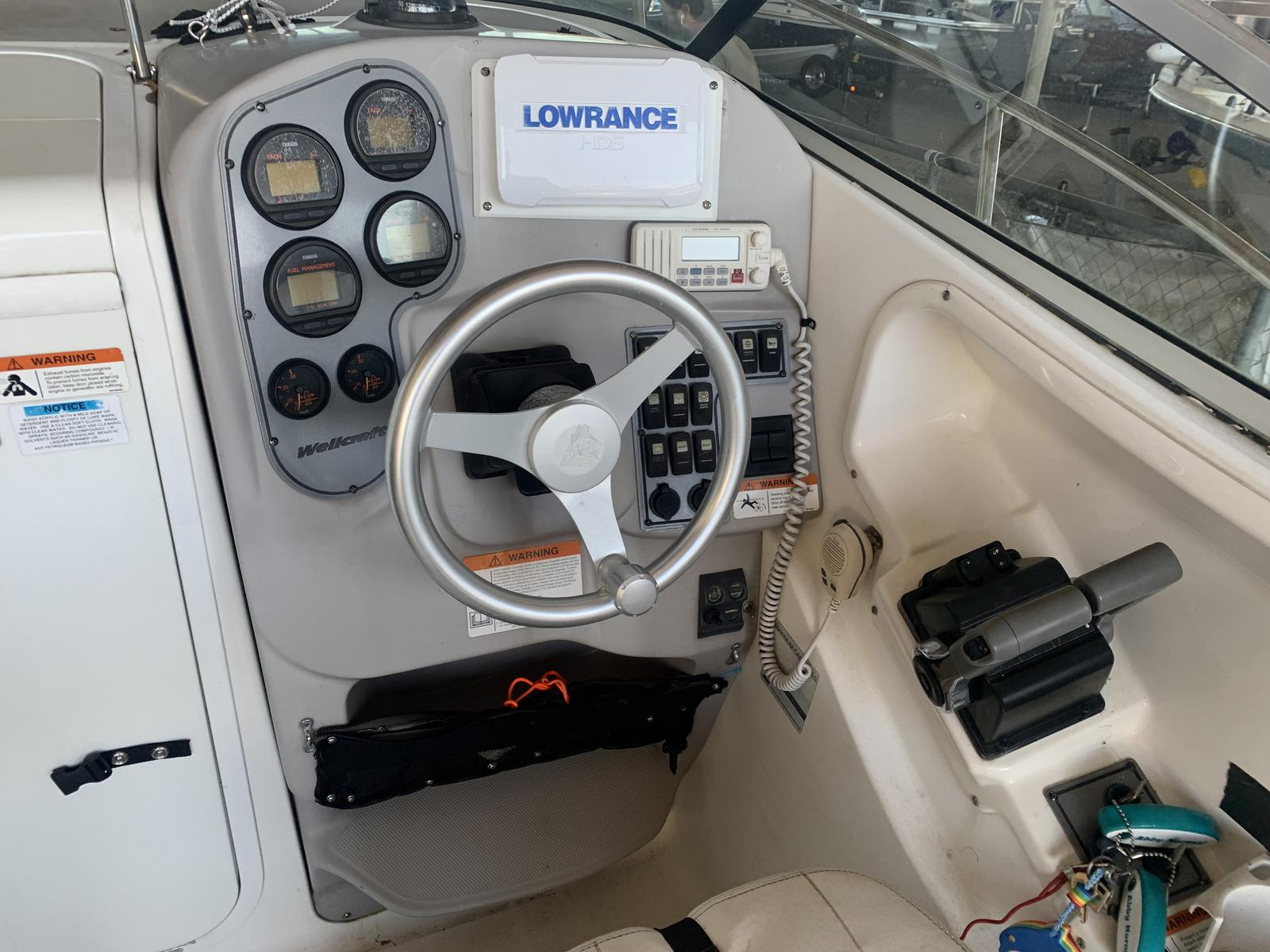 2004 Wellcraft boat for sale, model of the boat is 252 Coastal & Image # 6 of 13