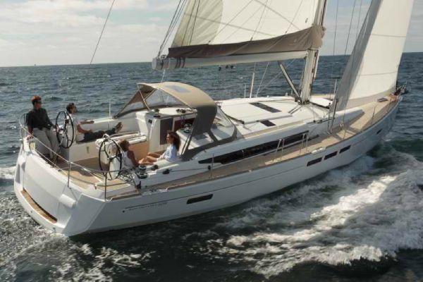 Jeanneau 519 BoatsalesListing Brokerage