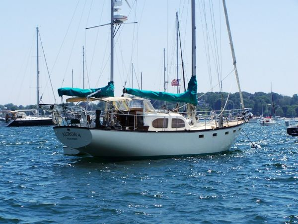 Pearson Countess Ketch. Listing Number: M-3682452 44' Pearson Countess