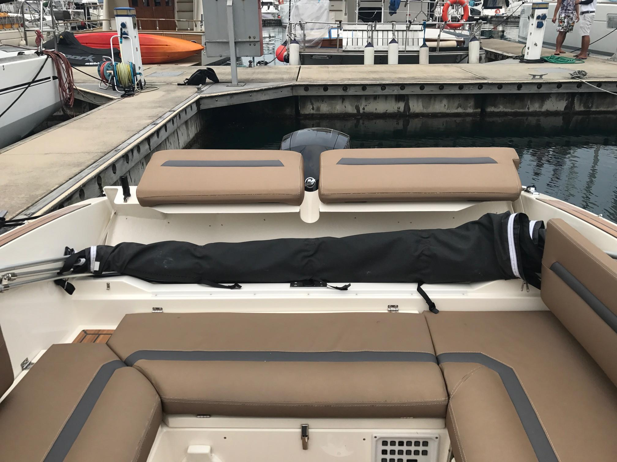 Backrest moves to access Bimini