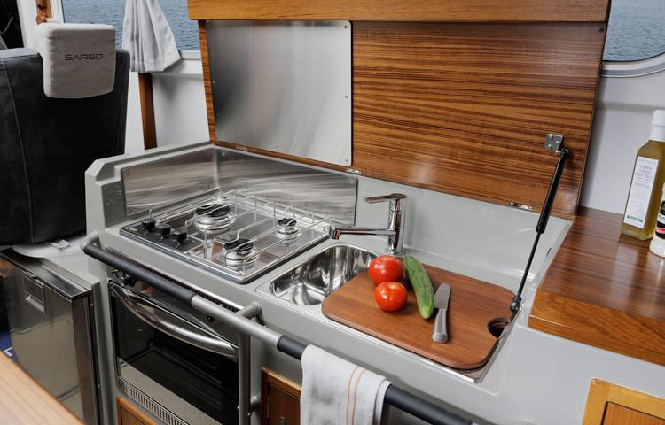 Sargo 33 Explorer galley