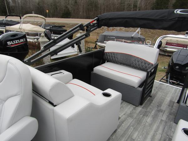 2019 Crest boat for sale, model of the boat is Crest III SLRC & Image # 5 of 13