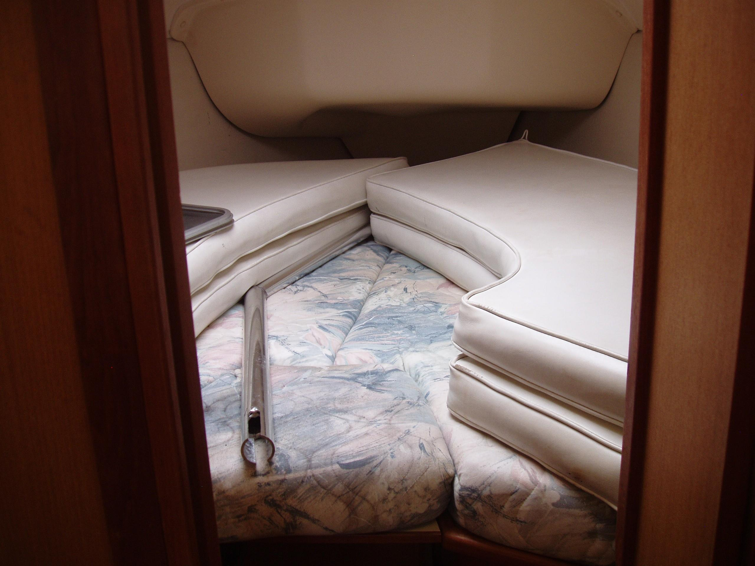 1999 Hunter 340   Sailboats for Sale