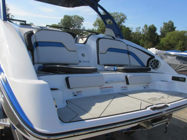 2020 Yamaha boat for sale, model of the boat is 242X & Image # 4 of 42