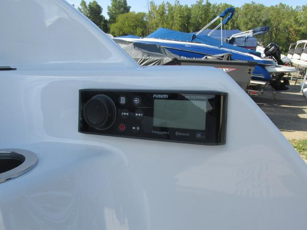 2020 Yamaha boat for sale, model of the boat is 242X & Image # 5 of 42