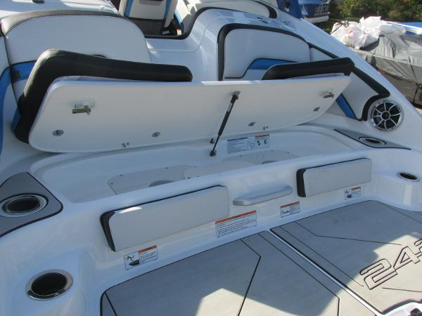 2020 Yamaha boat for sale, model of the boat is 242X & Image # 6 of 42