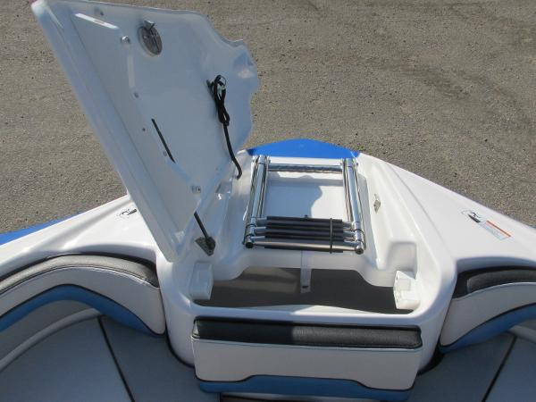 2020 Yamaha boat for sale, model of the boat is 242X & Image # 11 of 42
