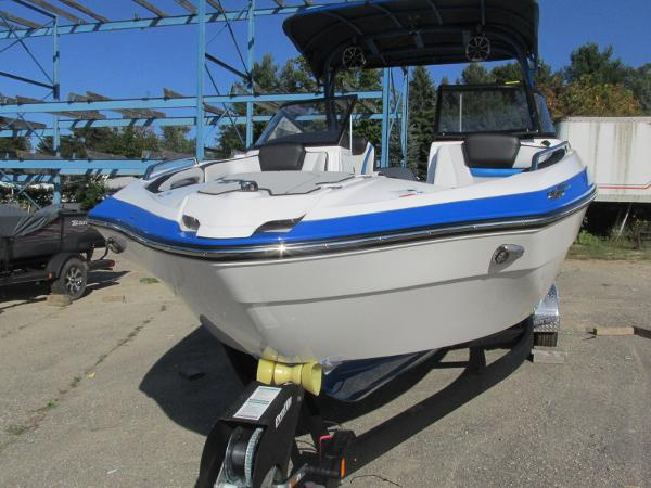 2020 Yamaha boat for sale, model of the boat is 242X & Image # 9 of 42
