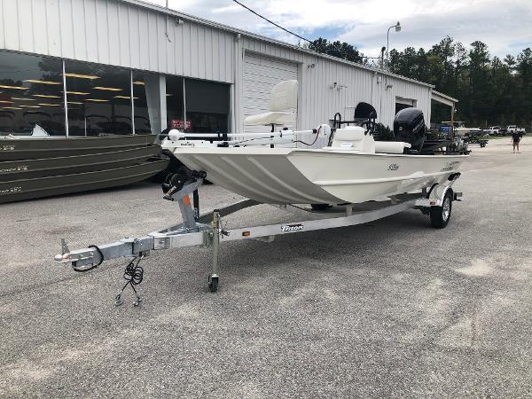 2020 TRITON 1862 CC BAY for sale