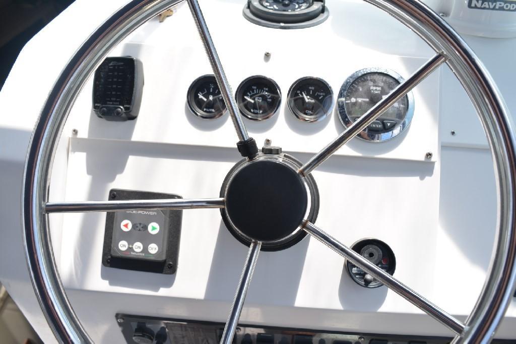 Mainship Pilot 30 - NEW Instruments