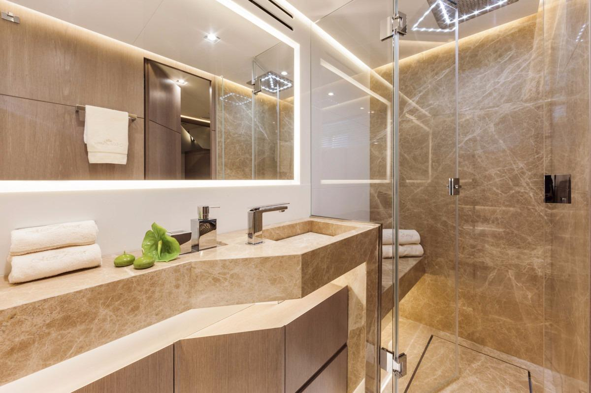 Manufacturer Provided Image: DREAMLINE 26 Bathroom