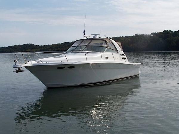 1997 Sea Ray 330 Express