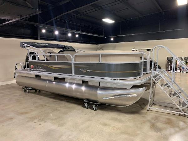 2021 Sun Tracker boat for sale, model of the boat is PARTY BARGE® 18 DLX & Image # 1 of 6