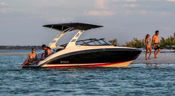 2020 Yamaha boat for sale, model of the boat is 242 SE & Image # 1 of 8