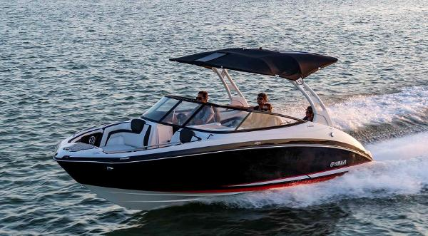 2020 Yamaha boat for sale, model of the boat is 242 SE & Image # 3 of 8