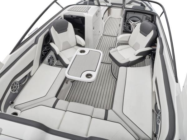 2020 Yamaha boat for sale, model of the boat is 242 SE & Image # 6 of 8