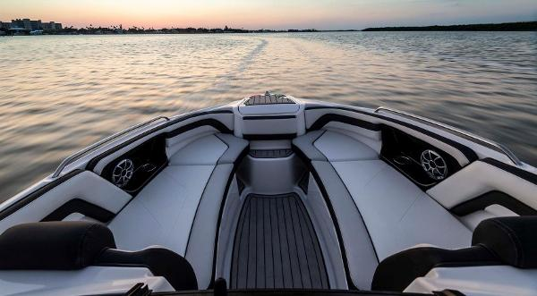 2020 Yamaha boat for sale, model of the boat is 242 SE & Image # 4 of 8