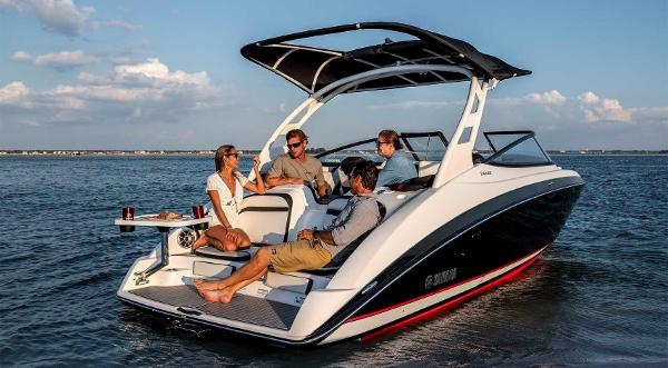 2020 Yamaha boat for sale, model of the boat is 242 SE & Image # 2 of 8