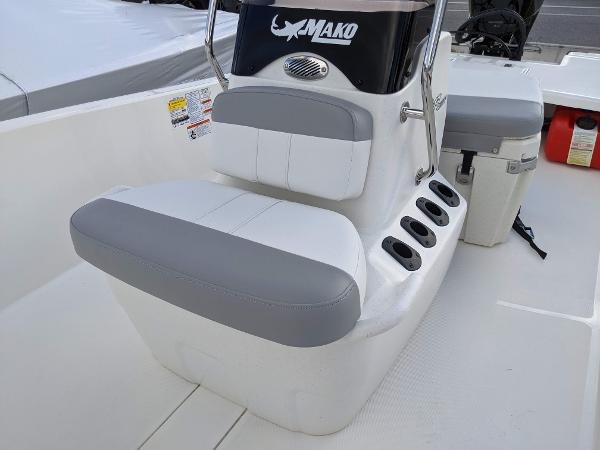 2020 Mako boat for sale, model of the boat is 17 Pro Skiff & Image # 13 of 27