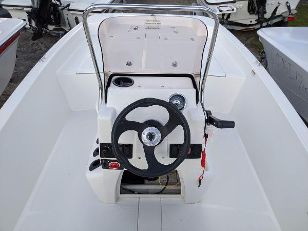 2020 Mako boat for sale, model of the boat is 17 Pro Skiff & Image # 15 of 27