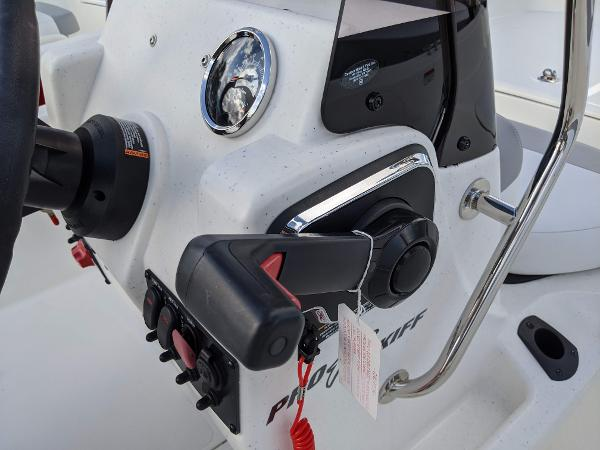 2020 Mako boat for sale, model of the boat is 17 Pro Skiff & Image # 20 of 27