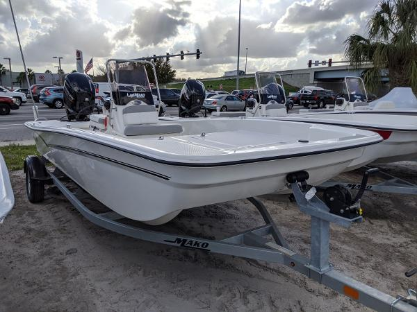 2020 Mako boat for sale, model of the boat is 17 Pro Skiff & Image # 1 of 27