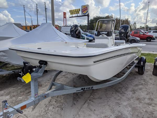 2020 Mako boat for sale, model of the boat is 17 Pro Skiff & Image # 3 of 27